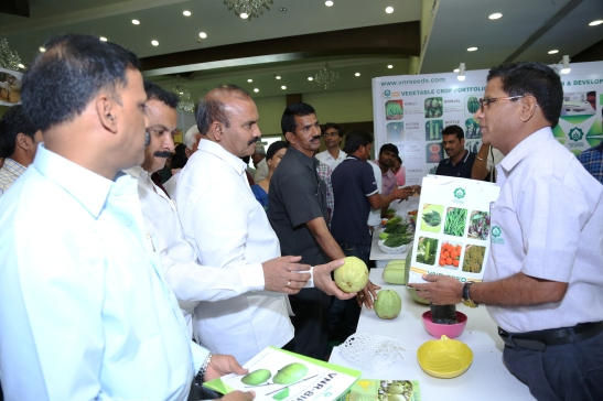 Sri Prathipati Pulla Rao Minister for Agriculture Visiting the stalls (1)